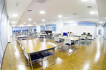 名護イーテクノロジー オフィスリフレッシュルーム
