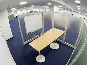 名護イーテクノロジー オフィスミーティングスペース