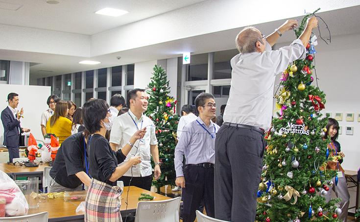 クリスマスツリー装飾しました☆